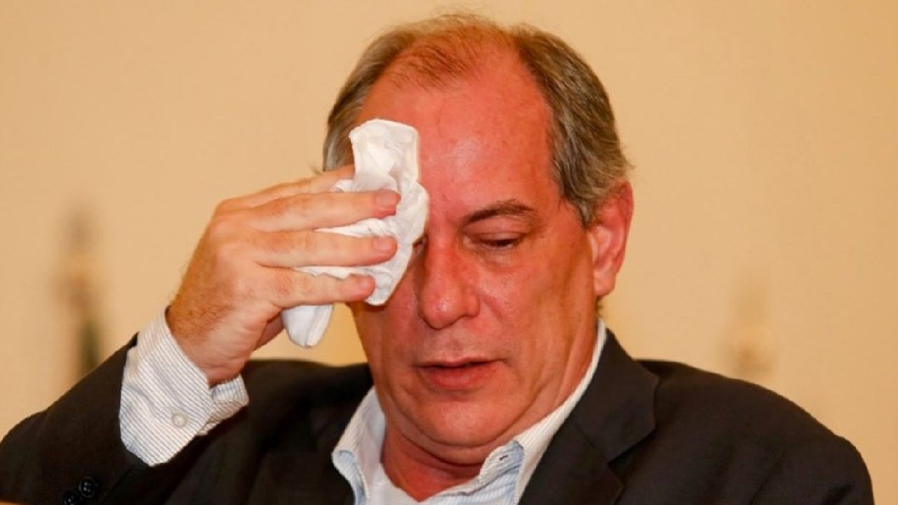 Justiça de São Paulo determina penhora de Hilux de Ciro Gomes para indenizar Fernando Holiday