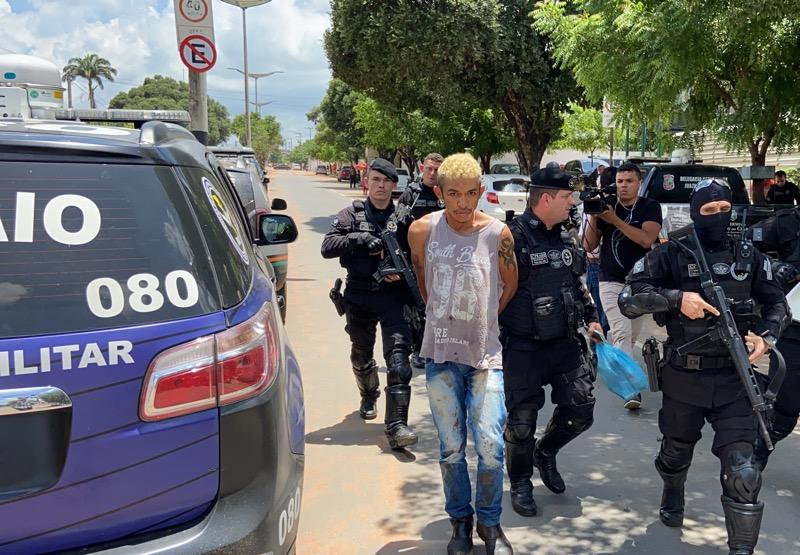 Homem mata mulher a facadas na frente dos filhos pequenos e é preso pela Polícia em Juazeiro do Norte-CE
