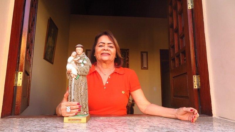 Conhecida como rainha das 'Solteironas de Santo Antônio', advogada cearense será destaque no carnaval do Rio de Janeiro