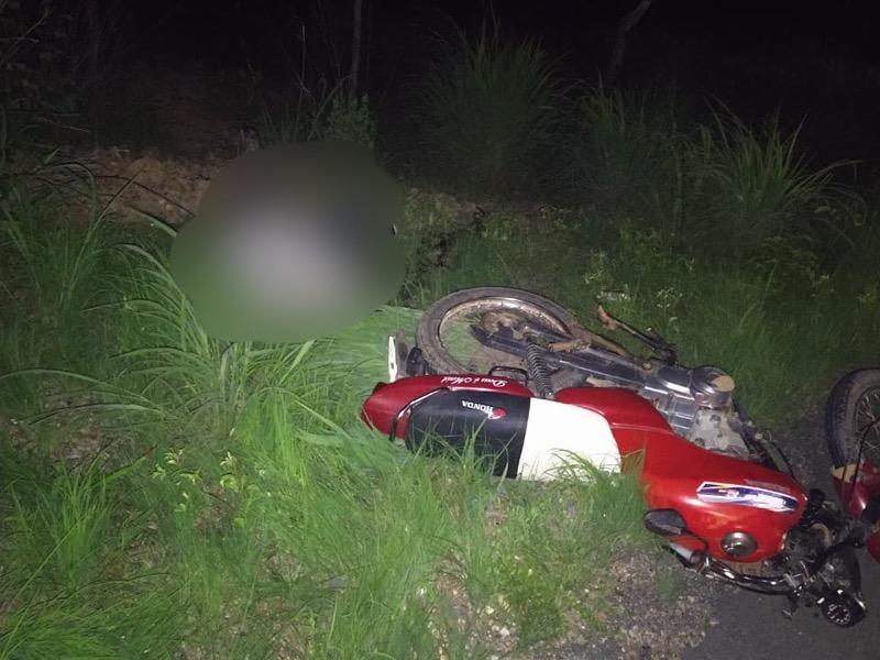 Homem é encontrado morto ao lado de motocicleta em Farias Brito-CE