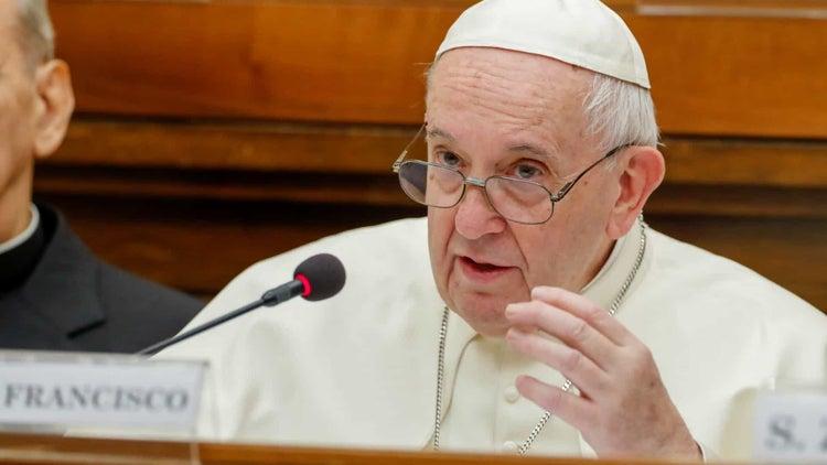Funcionário residente na casa do Papa com teste positivo à Covid-19