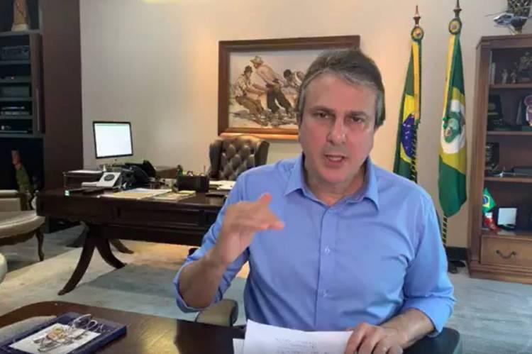 Camilo anuncia suspensão de impostos a micro e pequenas empresas por 90 dias e atende demandas de setores