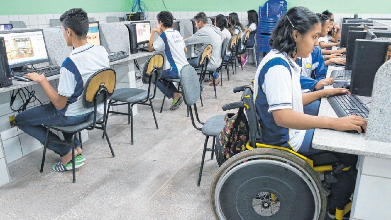 Seduc-CE orienta ensino a distância/domiciliar para escolas estaduais durante quarentena