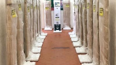 Prefeitura de Assaré instala 20 totens de álcool em gel em locais estratégicos do Município