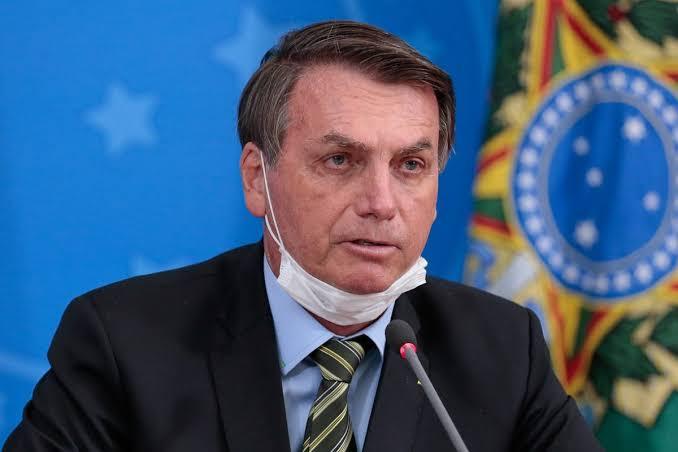 Justiça dispensa laudo que atesta negativo para o covid-19 de Bolsonaro