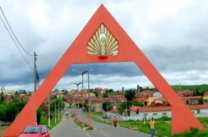 Bebê de 1 mês morre enquanto dormia em Acopiara, no Ceará; análises preliminares indicam asfixia
