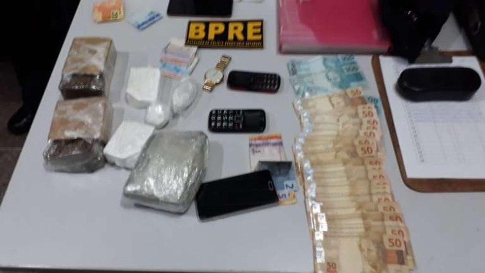 Paraibana é presa por tráfico de drogas após carro em que estava ser abordado em rodovia estadual no Ceará