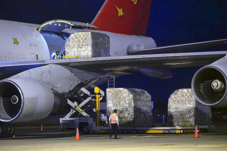 Avião com mais 70 toneladas de equipamentos de proteção individual (EPIs) chega ao Ceará