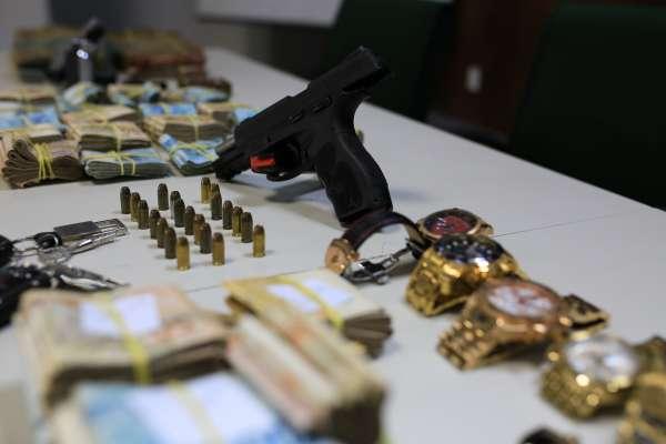 Polícia Civil apreende cerca de R$ 1 milhão em bens durante operação contra organização criminosa no Ceará