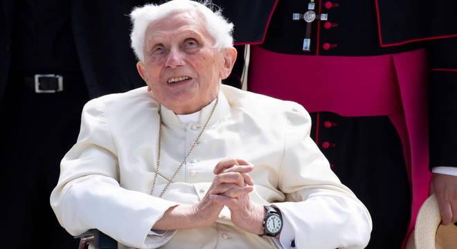Vaticano afirma que estado de saúde de Bento XVI não preocupa
