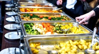 Nutricionista aponta cuidados para alimentação segura fora de casa