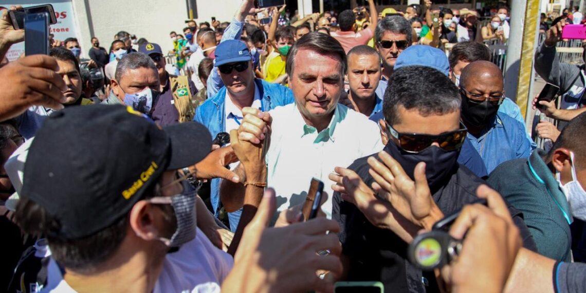 Bolsonaro pousa em Juazeiro do Norte na manhã desta quinta-feira (17)