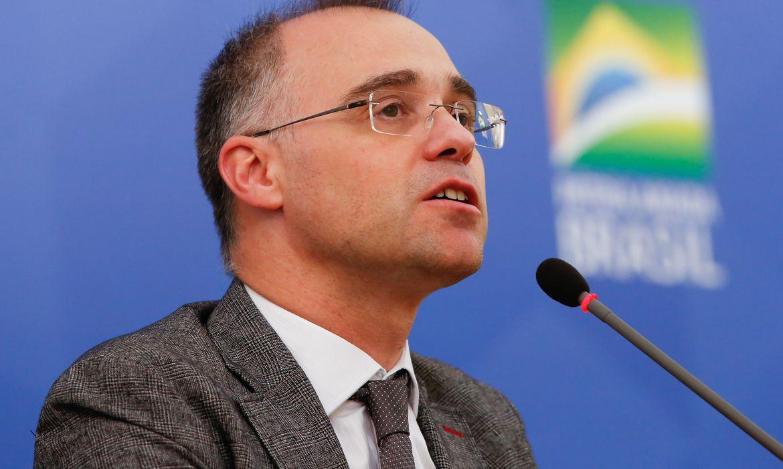 Após problema cardíaco, ministro da Justiça tem alta em Brasília
