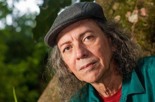Cantor e compositor cearense Ednardo é internado com infecção em hospital de Fortaleza
