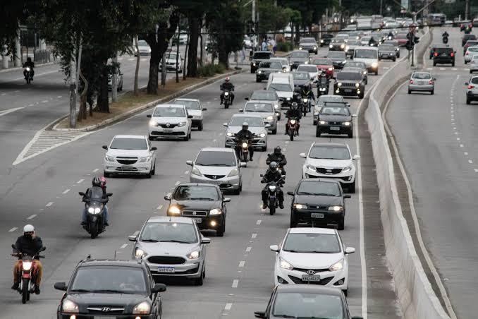 Após reclamações, Detran informa que licenciamentos de veículos serão enviados até o fim de outubro
