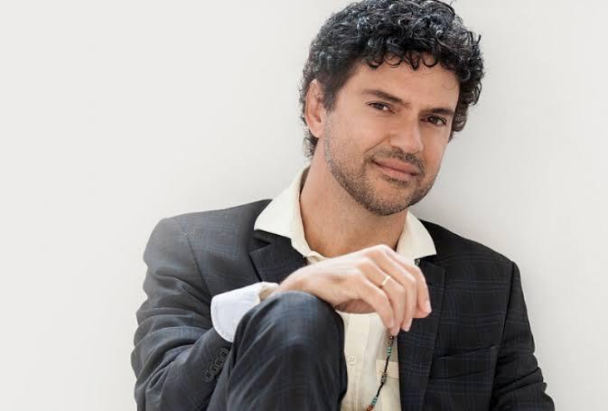 Jorge Vercillo promete um mergulho em suas obras na live da Sintonia do Bem
