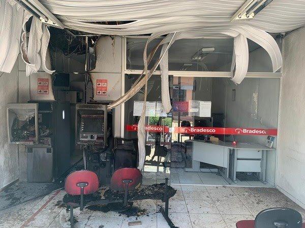 Funcionários de transporte de valores são presos após incendiarem agência bancária para encobrir desvio de R$ 400 mil, no interior do Ceará