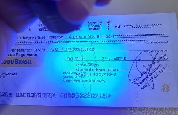 Polícia identifica que cheque de quase R$ 50 milhões utilizado no Ceará é falso através de luz ultravioleta