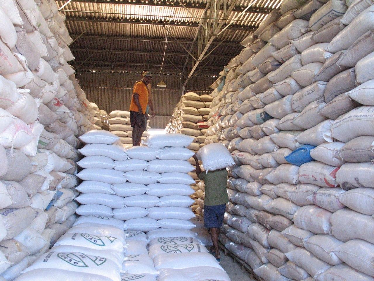 Armazéns da Conab em Juazeiro e outras cidades do Ceará recebem reforço no estoque de milho para alimentação animal
