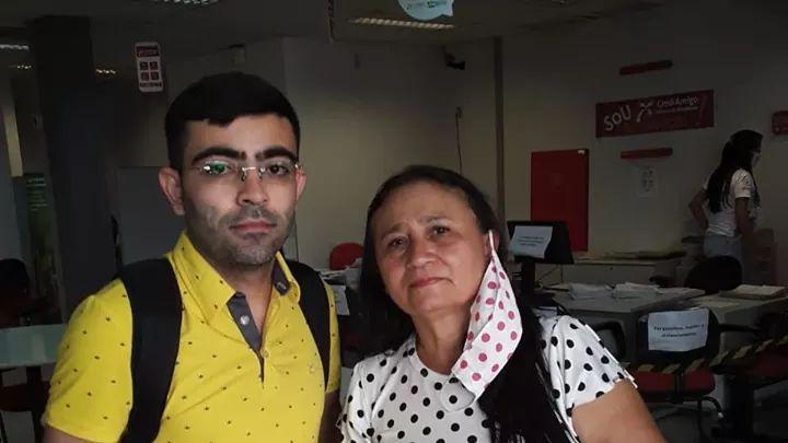 Estudante encontra R$ 735 e devolve à dona no Crato
