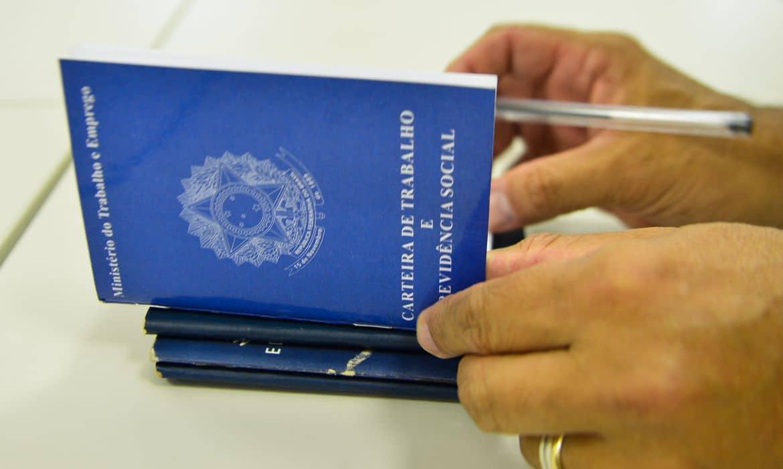 País registra criação de 394,9 mil vagas de emprego em outubro
