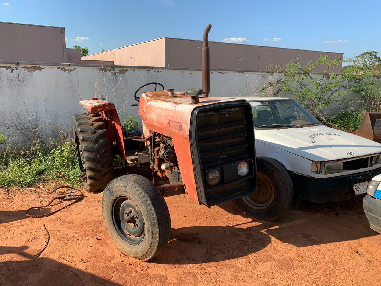 Prefeitura de Barbalha recebeu máquinas e caçambas sucateadas
