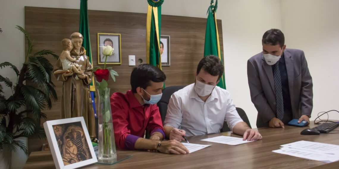Veja a lista atualizada dos secretários e adjuntos do município de Barbalha