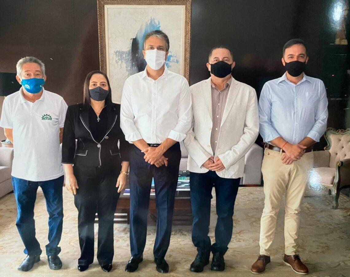 Dirigentes do Icasa se reúnem com Camilo e Fernando Santana; apoio ao Clube e inauguração do Romeirão são pautas