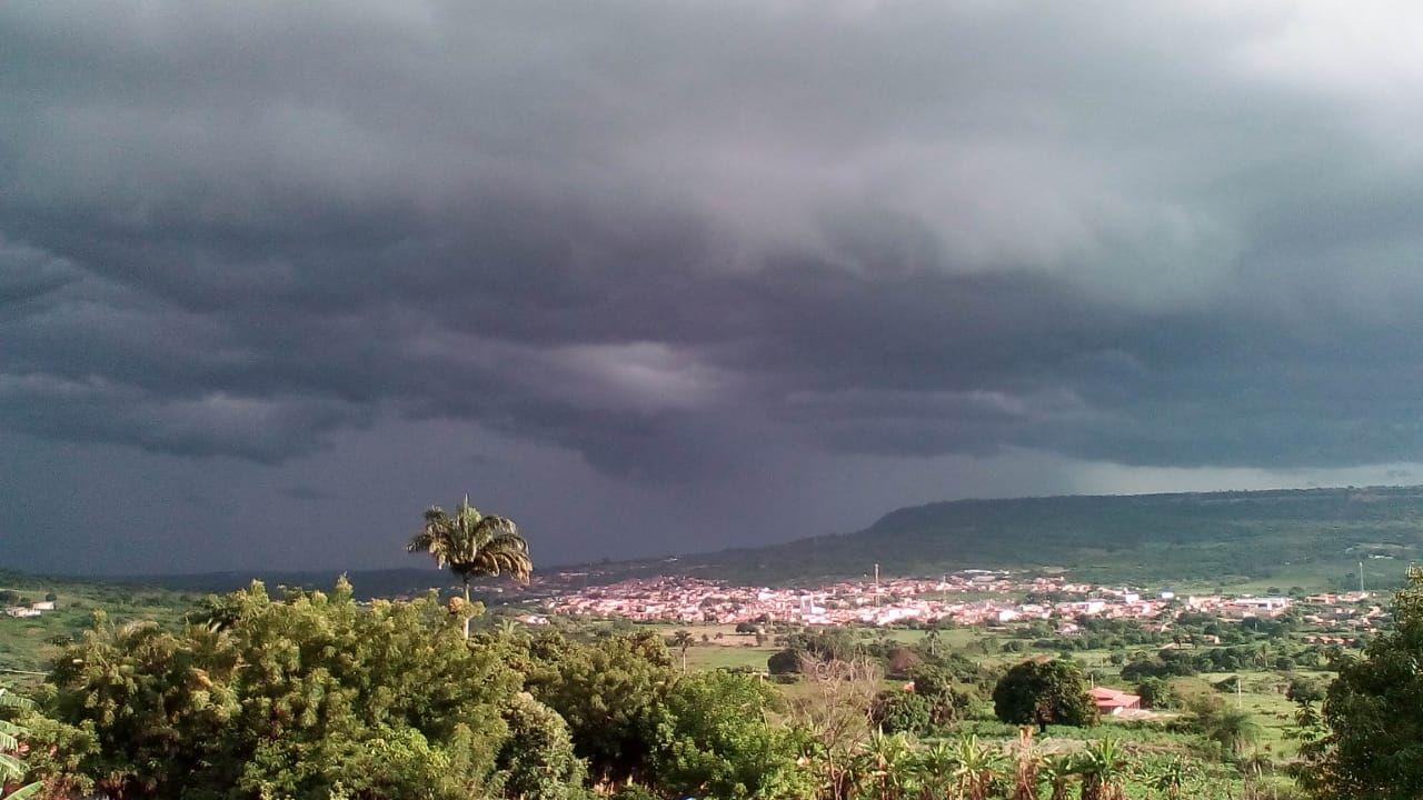 Chove em pelo menos 73 municípios do Ceará; Barbalha registra 67 mm