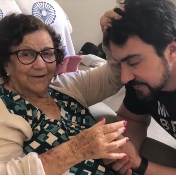 Padre Fábio de Melo perde mãe para a Covid: 'Dia mais temido chegou'