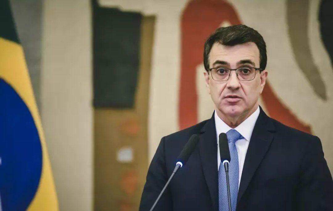 China e Brasil: Telefonema entre ministros trata de cooperação por vacina