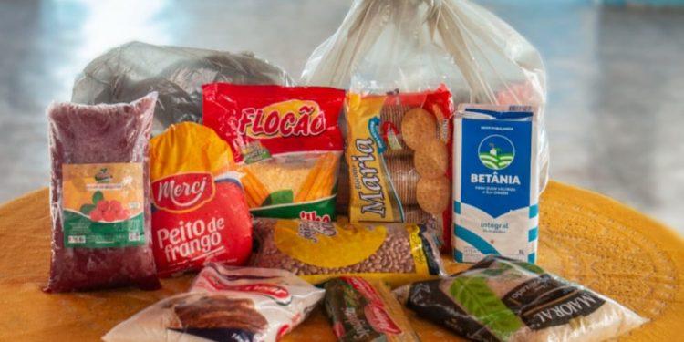 Seduc dá continuidade à entrega dos kits da alimentação escolar para alunos da rede municipal de Barbalha