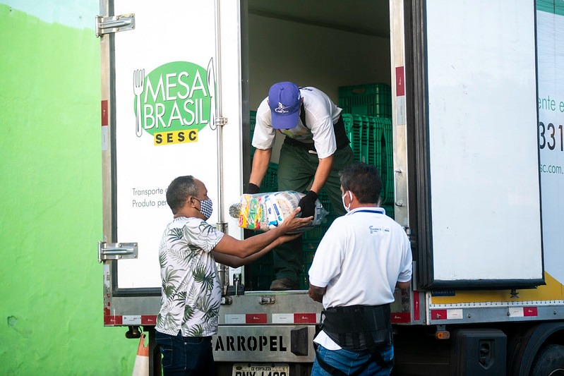 Mesa Brasil Sesc recebe doações através do programa Sua Nota Tem Valor