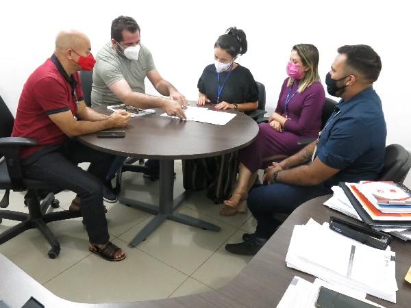 Prefeitura do Crato firma parceria com a Unijuazeiro e servidores terão 50% de desconto em cursos