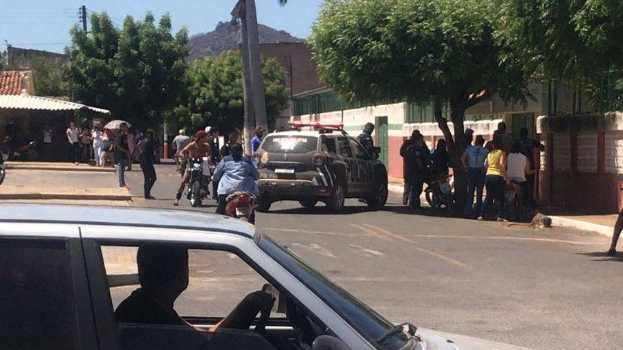 Estudante é detida com uma faca para ameaçar alunos e professores em escola de Mucambo, no Ceará